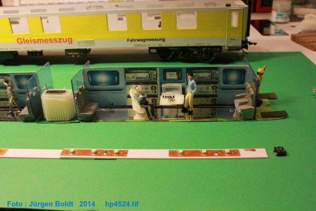 Der Fahrwegmessungszug der DB Hp452412