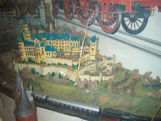 Burg Hohenzollern kleiner Rundgang 2006 vom Admin Hpim1210