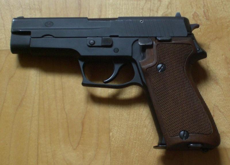 Plaquettes bois P75/P220 ex-armée Pistol11