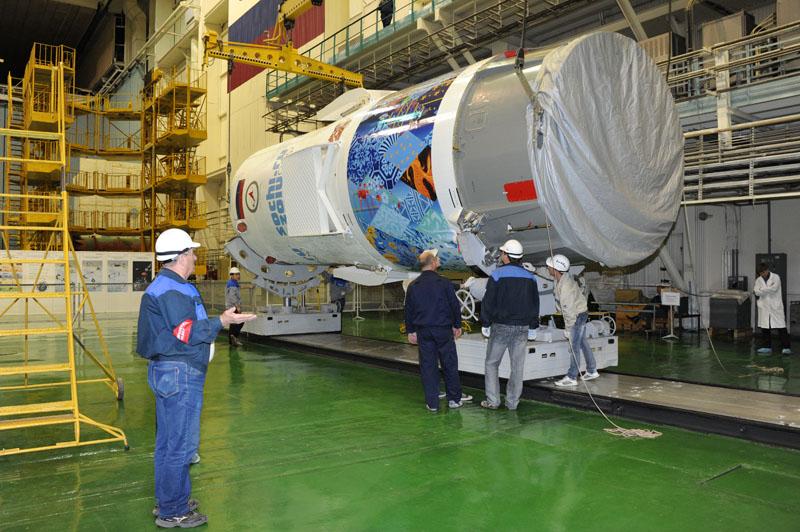 Lancement & retour sur terre de Soyouz TMA-11M  Soyuz105