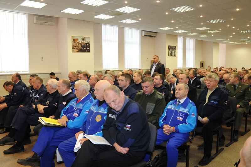 Lancement & retour sur terre de Soyouz TMA-11M  - Page 2 Soyuz122