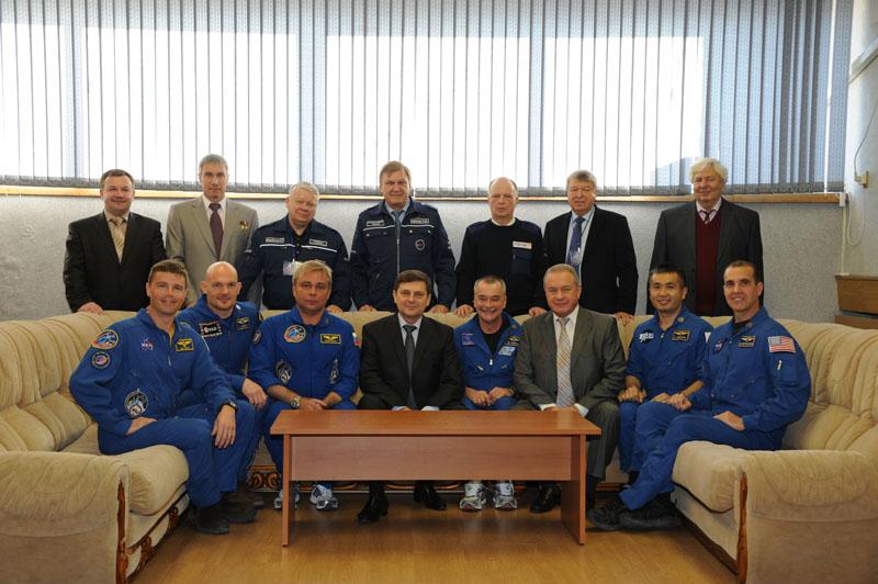 Lancement & retour sur terre de Soyouz TMA-11M  - Page 2 Soyuz142