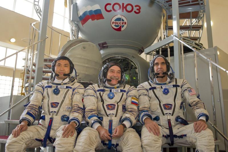 Lancement & retour sur terre de Soyouz TMA-11M  Soyuz_24