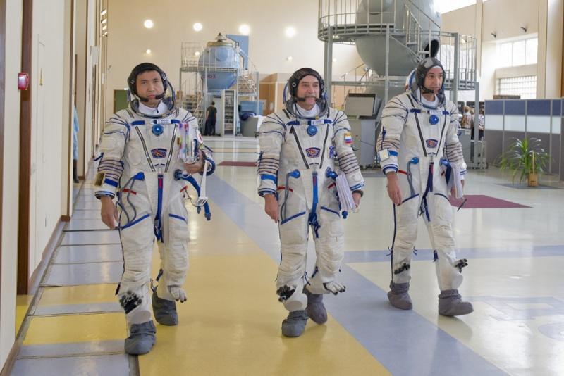 Lancement & retour sur terre de Soyouz TMA-11M  Soyuz_25