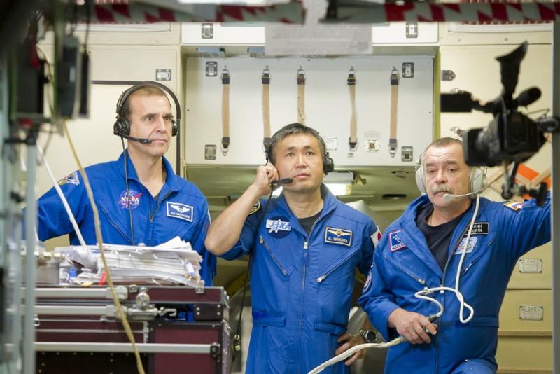 Lancement & retour sur terre de Soyouz TMA-11M  Soyuz_29