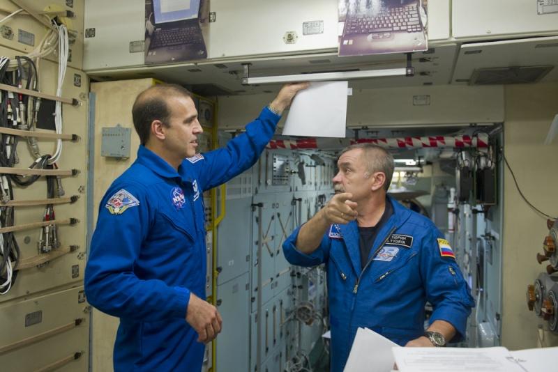 Lancement & retour sur terre de Soyouz TMA-11M  Soyuz_32