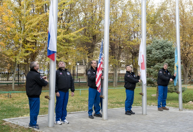 Lancement & retour sur terre de Soyouz TMA-11M  Soyuz_49