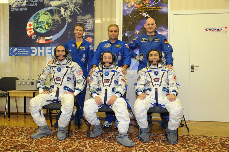 Lancement & retour sur terre de Soyouz TMA-11M  Soyuz_53