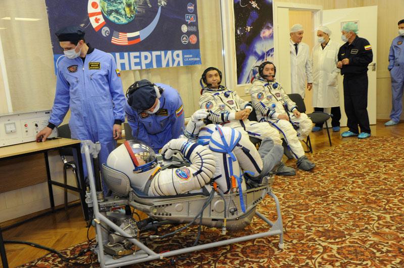 Lancement & retour sur terre de Soyouz TMA-11M  Soyuz_54