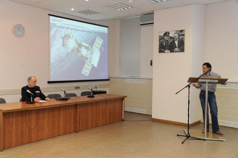 Lancement & retour sur terre de Soyouz TMA-11M  Soyuz_57