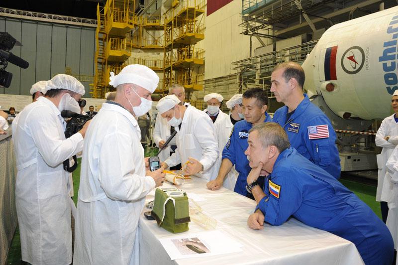Lancement & retour sur terre de Soyouz TMA-11M  Soyuz_58