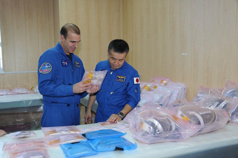 Lancement & retour sur terre de Soyouz TMA-11M  Soyuz_59