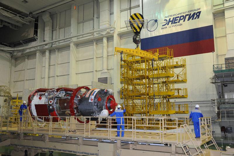 Lancement & retour sur terre de Soyouz TMA-11M  Soyuz_64