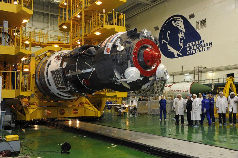 Lancement & retour sur terre de Soyouz TMA-11M  Soyuz_80