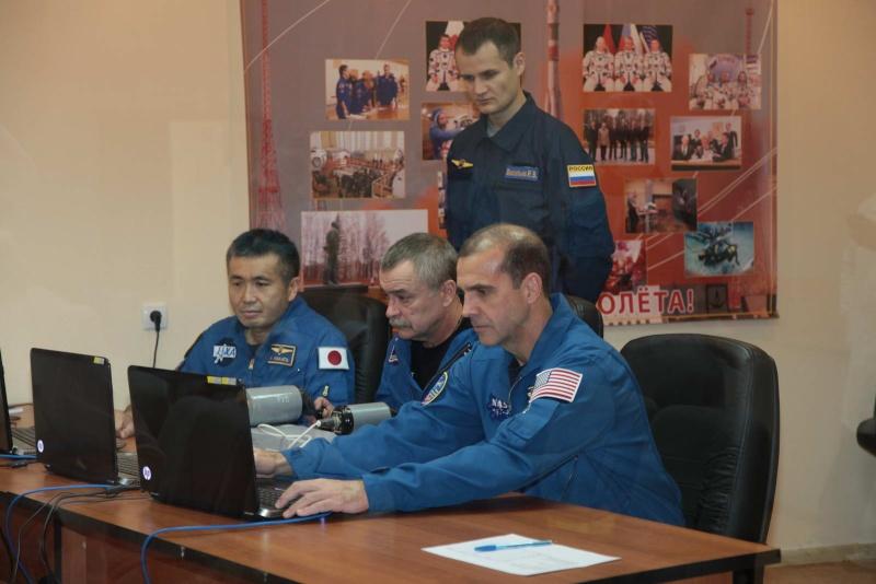 Lancement & retour sur terre de Soyouz TMA-11M  Soyuz_84