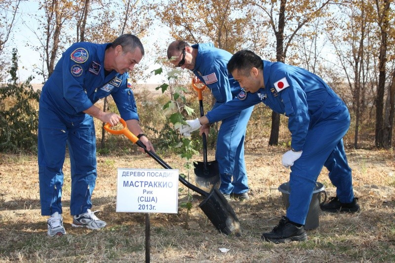 Lancement & retour sur terre de Soyouz TMA-11M  Soyuz_88