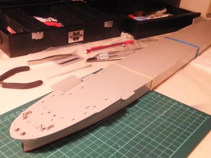 Porte avions Hornet cv8 par Pascalb au 350 de Trumpeter 00510