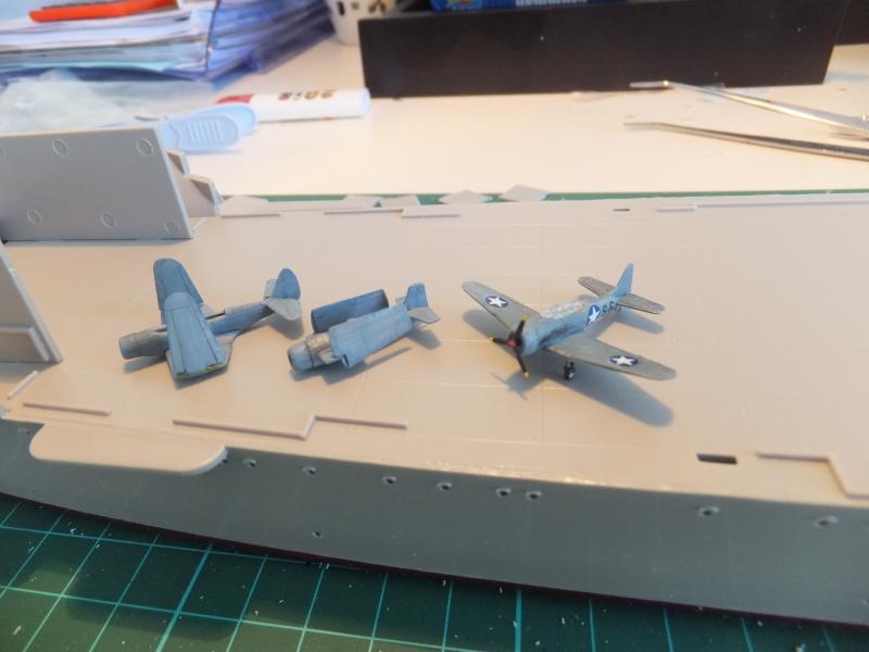Porte avions Hornet cv8 par Pascalb au 350 de Trumpeter 00512