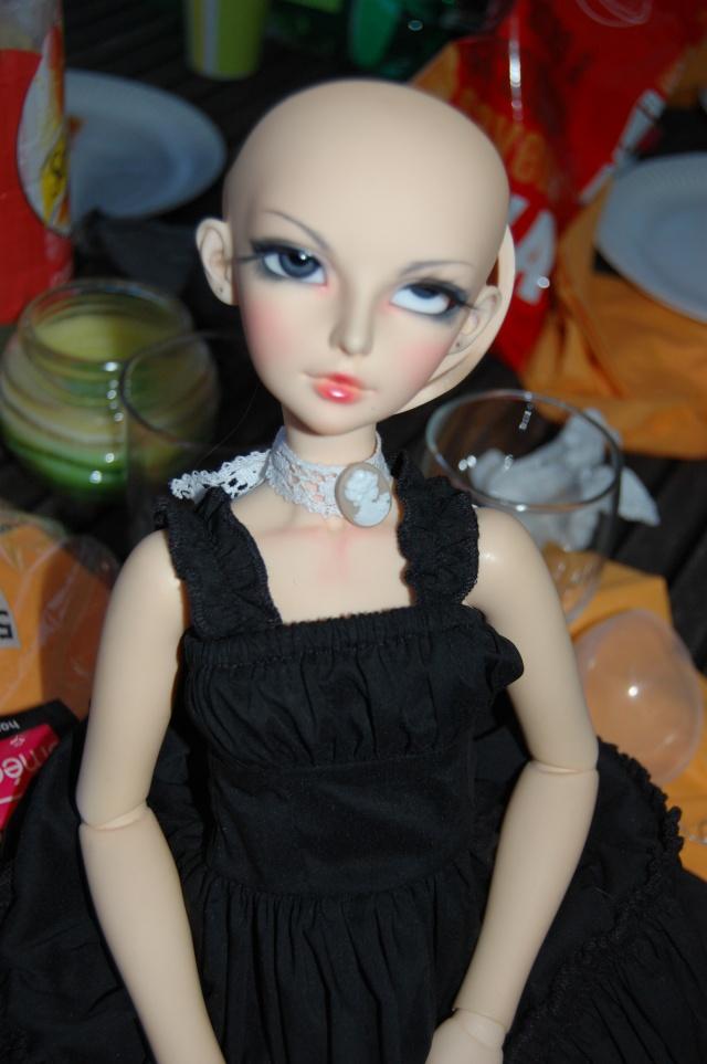 photos de vos dolls...ridicules XD (toutes dolls confondues) Dsc_0010