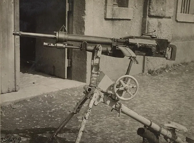"Mitrailleuse mdle 1907 T ''St Étienne""  Ein-st10"