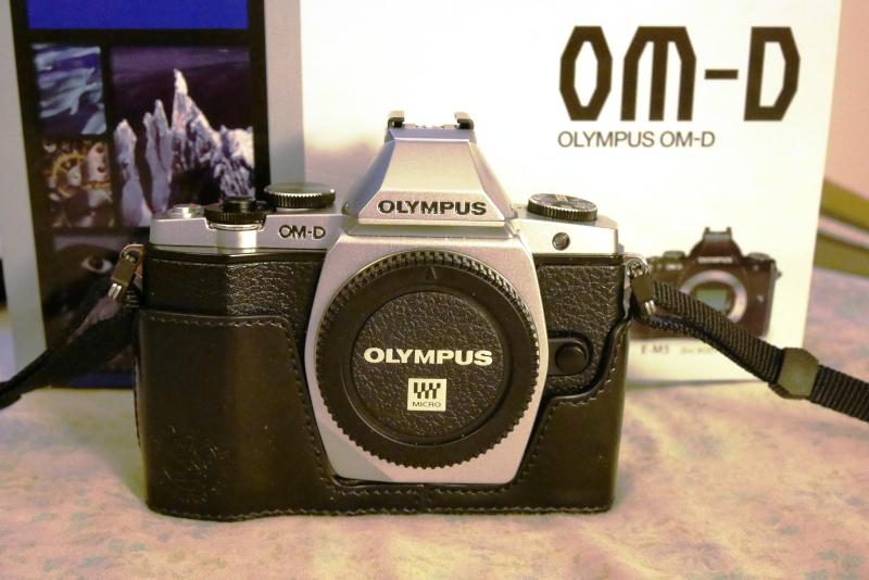 [VENDU] OLYMPUS OM-D E-M5 silver, boîtier nu P1000210