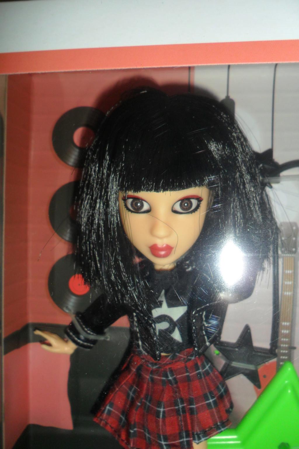 Parce qu'il n'y a pas que Barbie dans ma vie de collectionneuse ! Snapstar et Lol OMG Sam_9855