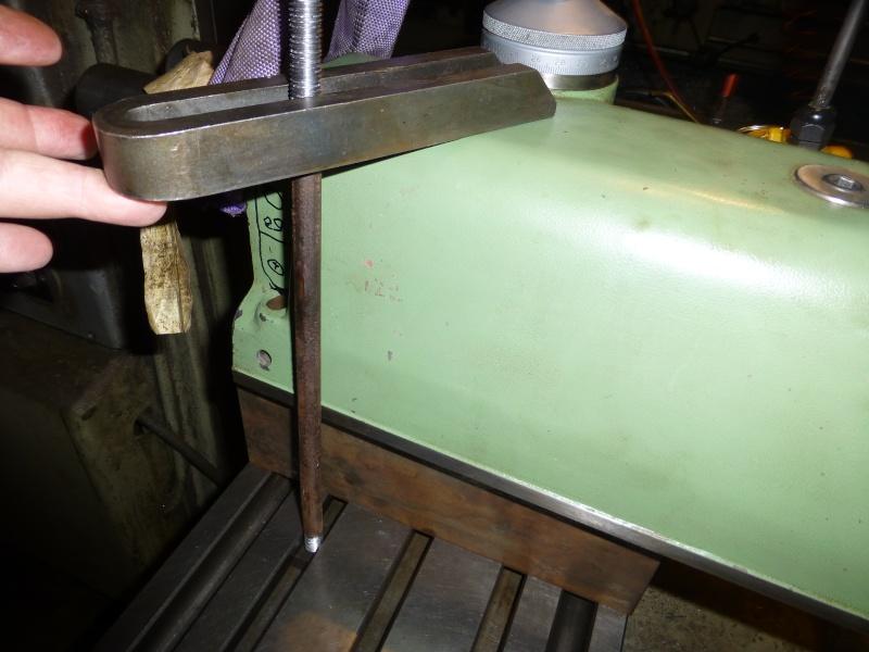 Installation d'une nouvelle tête verticale pour ma fraiseuse Schaublin 13 P1010415