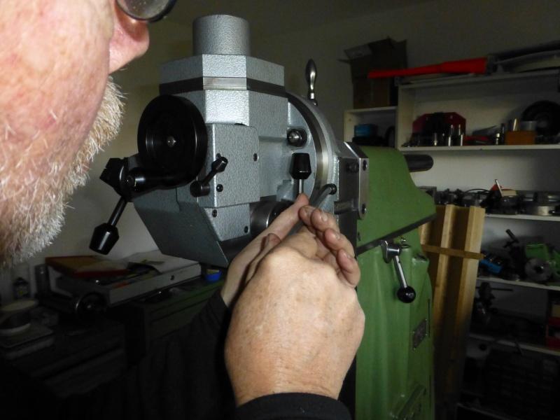 Installation d'une nouvelle tête verticale pour ma fraiseuse Schaublin 13 - Page 3 P1010714