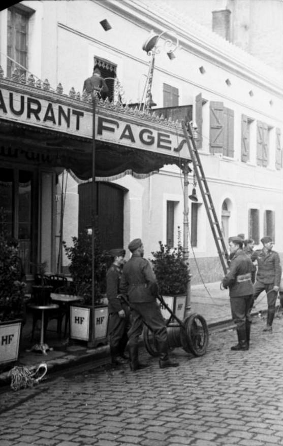 Soldats de la Luftwaffe - Page 2 12510
