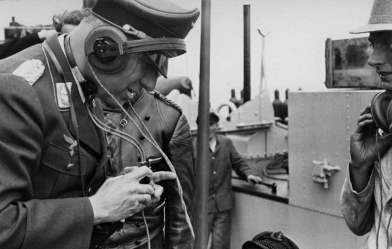 Les transmissions dans la Luftwaffe - Page 2 12m10