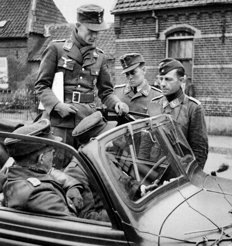 Soldats de la Luftwaffe - Page 3 1a10