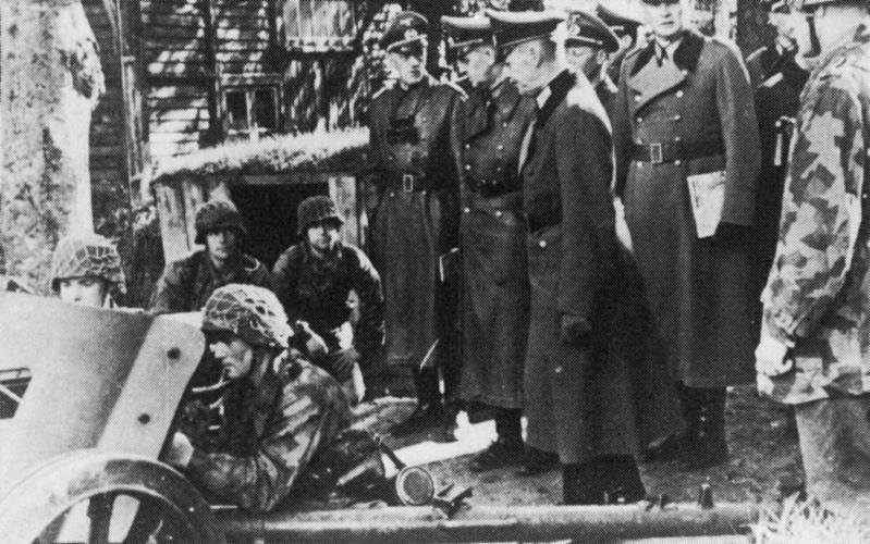 Les soldats de la Luftwaffe à l'instruction 1b10