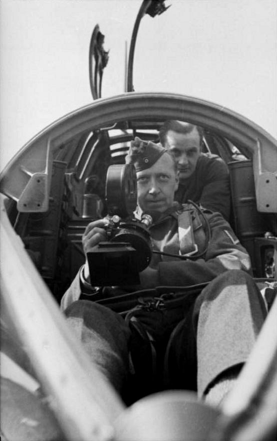 Les correspondants de guerre (Kriegsberichter) de la Luftwaffe 211