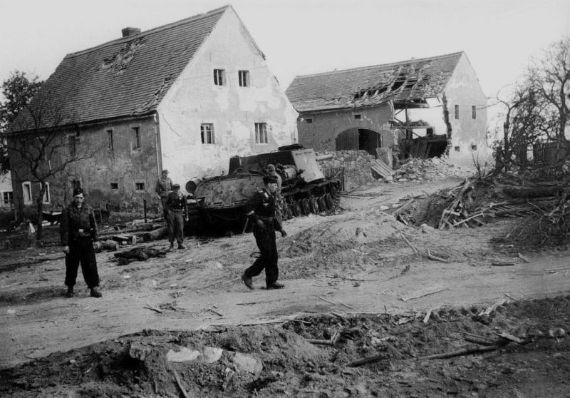 Panzer dans la Luftwaffe - Page 2 22222210