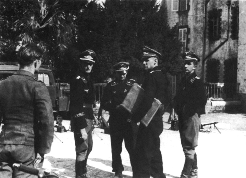 Panzer dans la Luftwaffe - Page 3 222b10