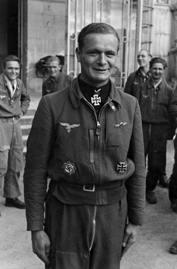 Les différentes vareuses de la Luftwaffe 2512