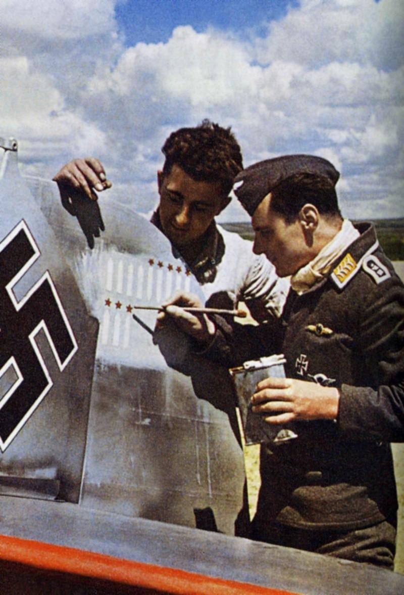 La Luftwaffe en couleurs ! - Page 2 3011