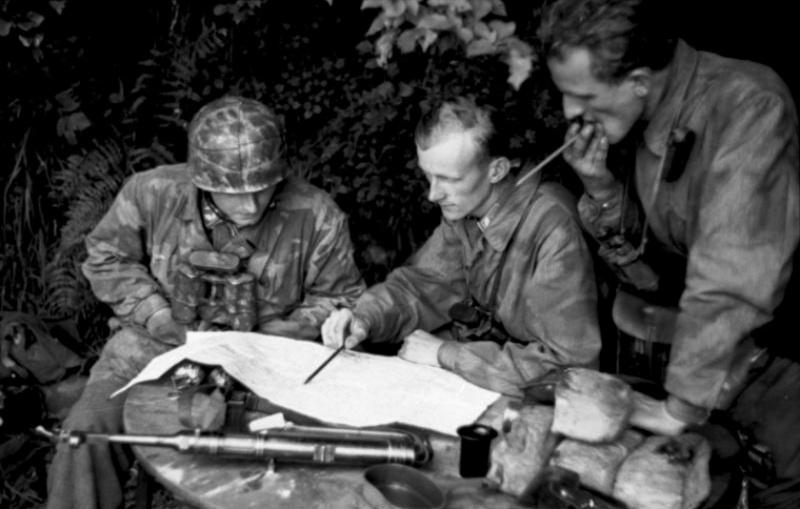 Les troupes de la Luftwaffe en Normandie - Page 2 313