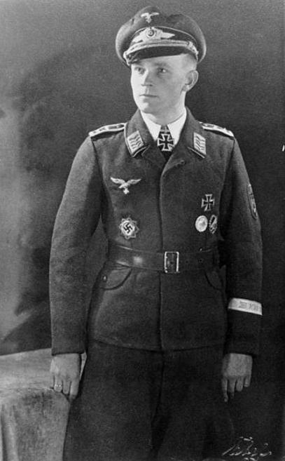 Les différentes vareuses de la Luftwaffe 317