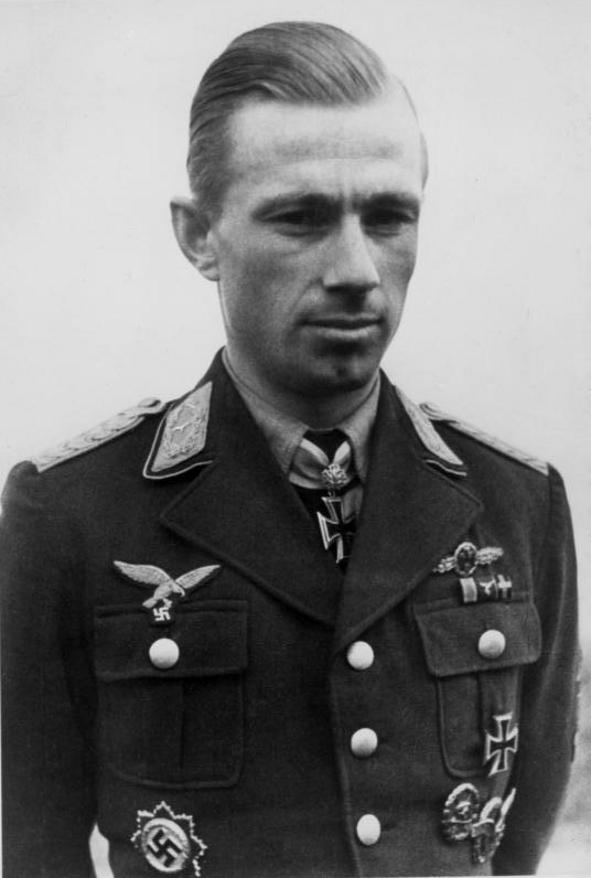 Les différentes vareuses de la Luftwaffe 3812