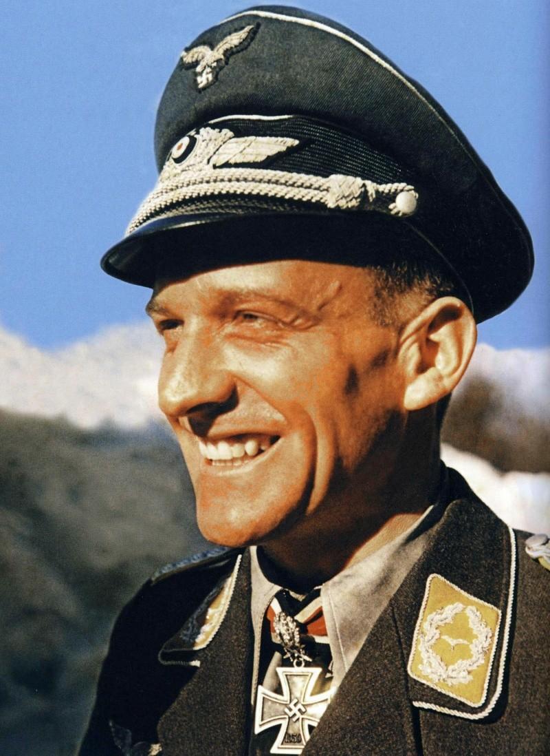 La Luftwaffe en couleurs ! - Page 2 4010
