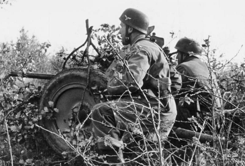 Les chasseurs de chars, Panzerjäger, de la Luftwaffe - Page 2 4111