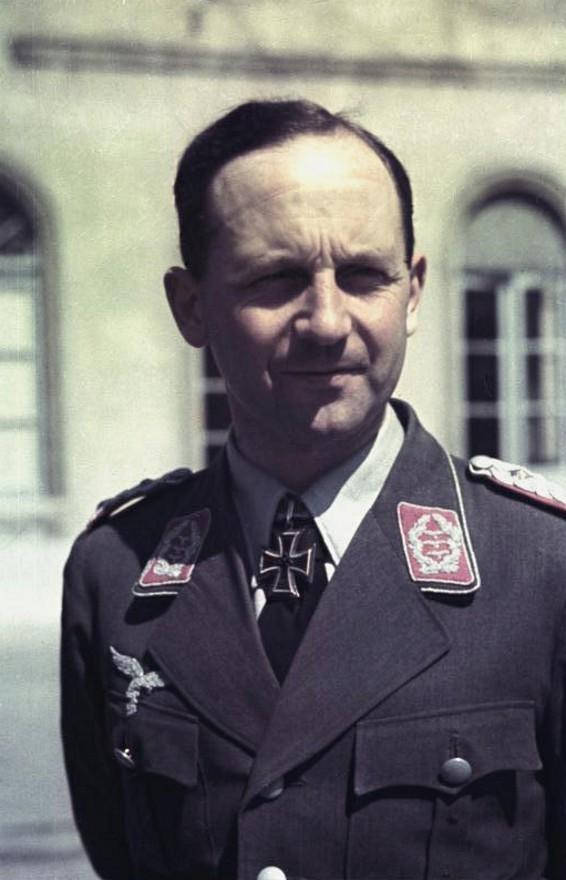 Les différentes vareuses de la Luftwaffe 416