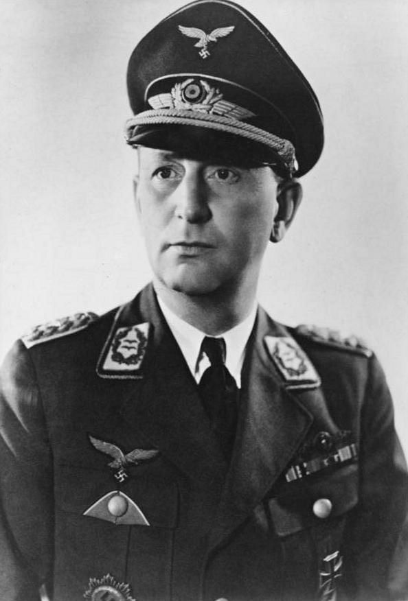 Schirmmütze de la Luftwaffe - Page 2 4513