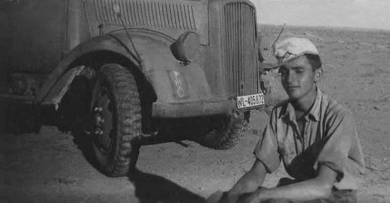 Les soldats de la Luftwaffe en Afrique - Page 2 4c11