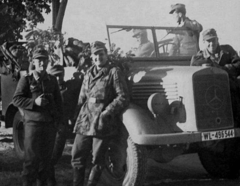 Soldats de la Luftwaffe - Page 2 50010