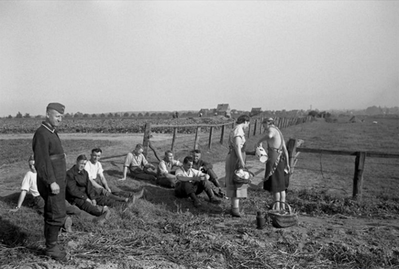 Les soldats de la Luftwaffe au repos ! 5211