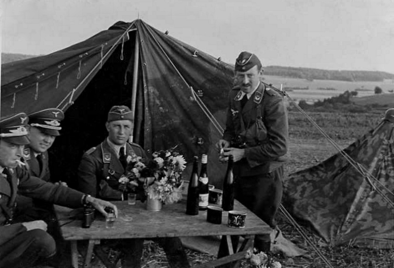 Les soldats de la Luftwaffe au repos ! 52310