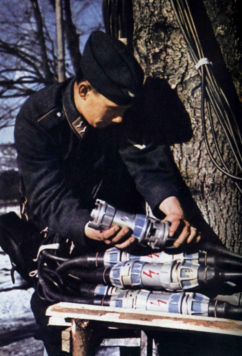 Les transmissions dans la Luftwaffe - Page 2 54610