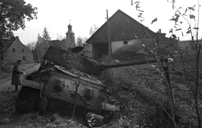 Panzer dans la Luftwaffe - Page 2 56xfb610
